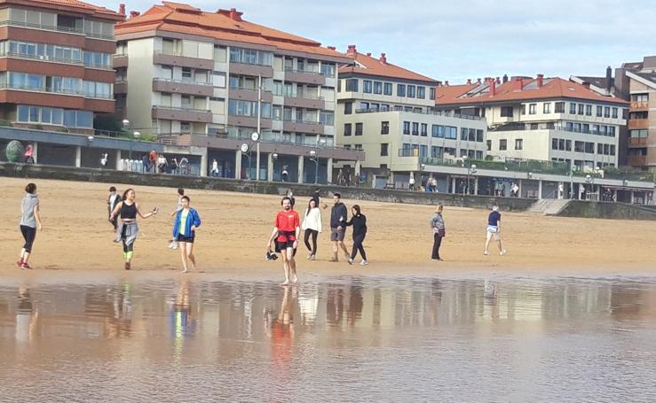 Zarautz disfruta de la playa