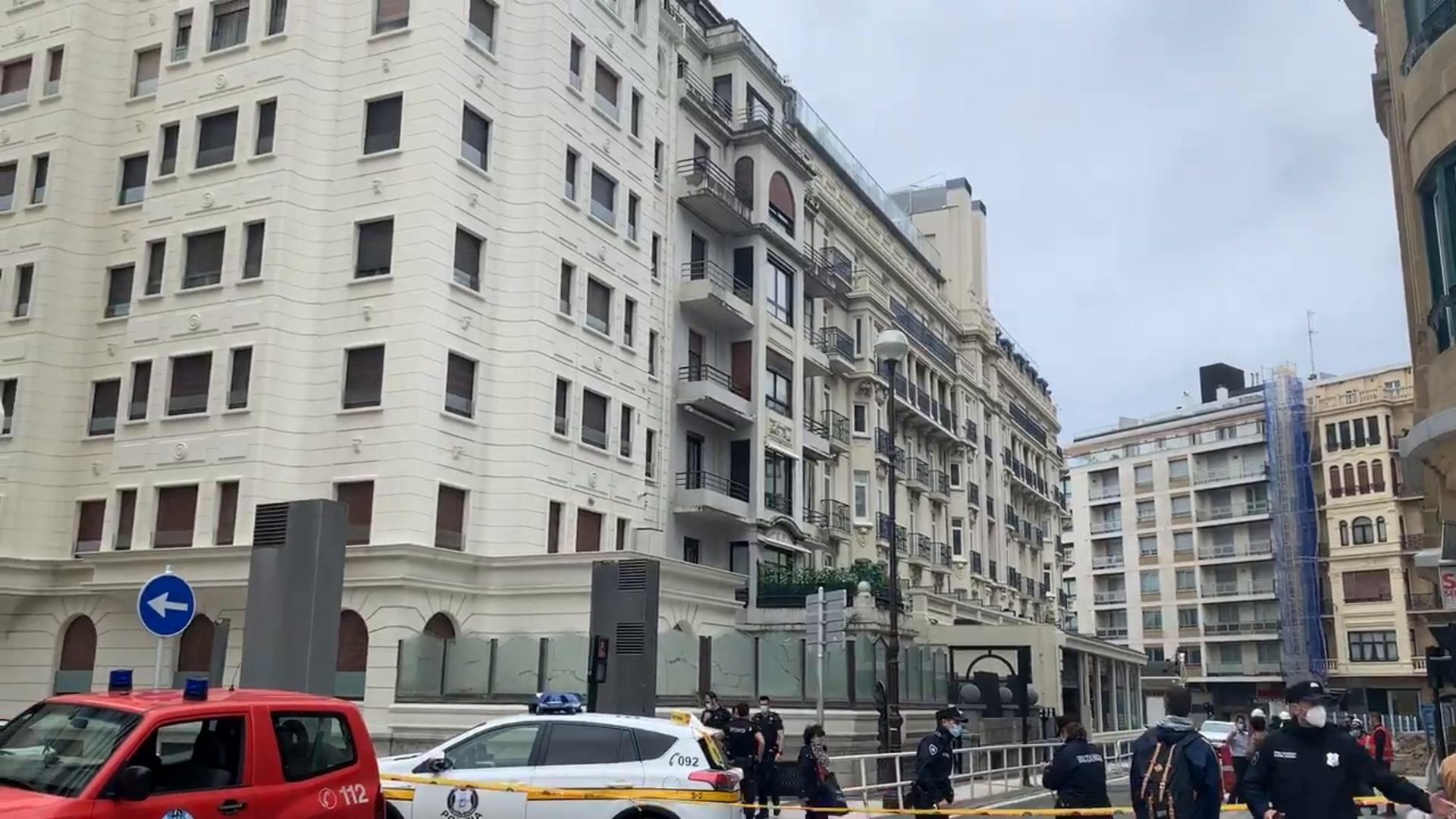 Desalojados un edificio y el Hotel Londres por el hundimiento de un sótano