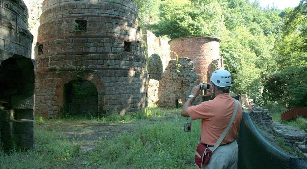 Imprescindible. La visita al entorno de Irugurutzeta es la mejor opción para conocer el pasado minero de Irun. / FLOREN PORTU