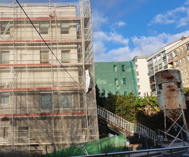 Edificio de Emigración, en proceso de remodelación. / F. DE LA HERA