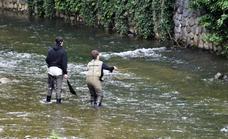 Tres jóvenes de la sociedad Orión participan mañana en el Campeonato Euskadi de pesca