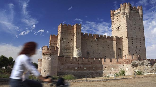 Tras las huellas de Isabel I por Castilla