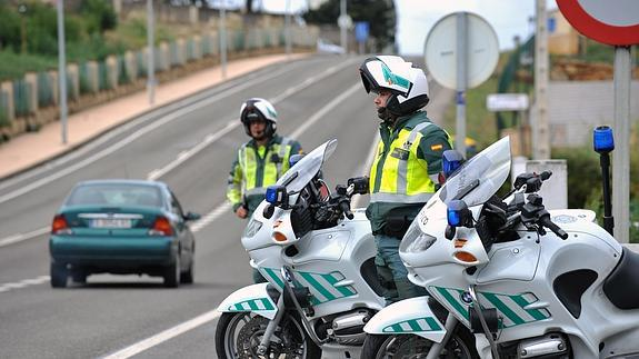Great Agentes De La Guardia Civil De Trafico.