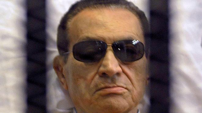 Mubarak, condenado a tres años de cárcel por malversación de fondos