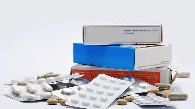 Sanidad ultima un acuerdo con las farmacéuticas para que financien los fármacos ineficaces