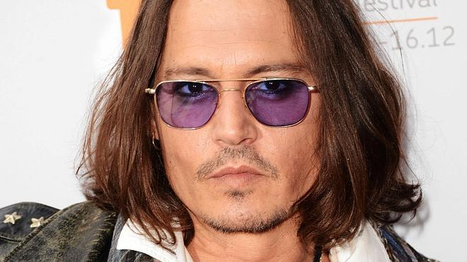Johnny Depp toca la guitarra en una 'canción perdida' de Bob Dylan