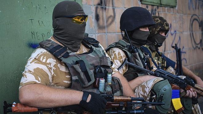 Rusia desoye a Occidente y envía 280 camiones con ayuda humanitaria a Ucrania