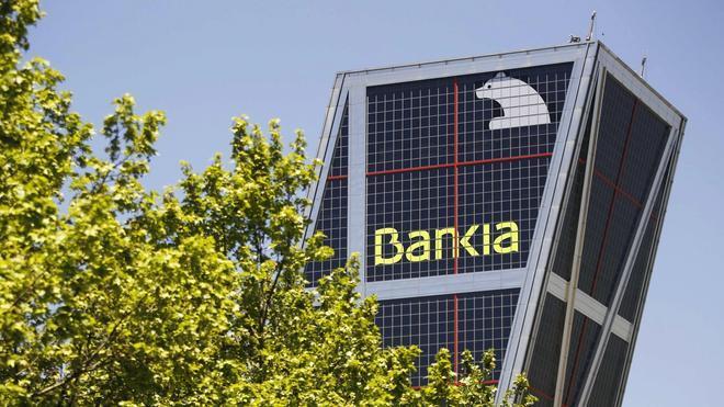 De Guindos descarta la venta de nuevas participaciones de Bankia hasta los test de estrés de octubre