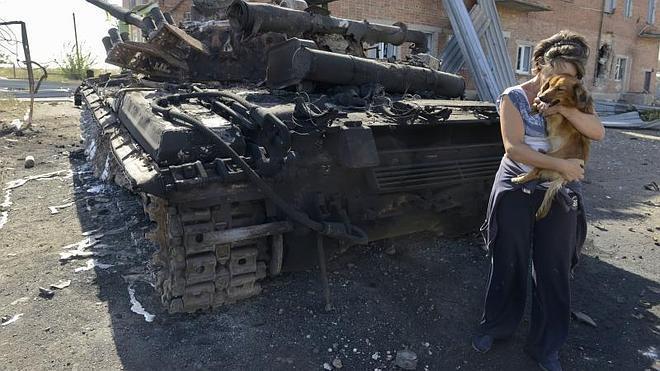 Muere una mujer en Mariupol, primera víctima desde la tregua en Ucrania