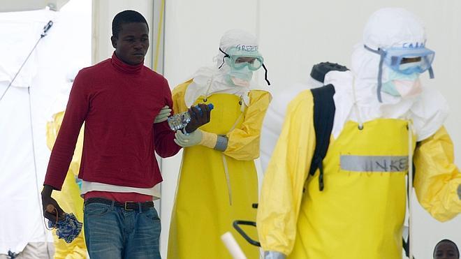 La OMS pide «cuadriplicar» los esfuerzos contra el ébola