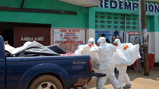 EE UU refuerza su plan contra el ébola con 3.000 militares y nuevos fondos