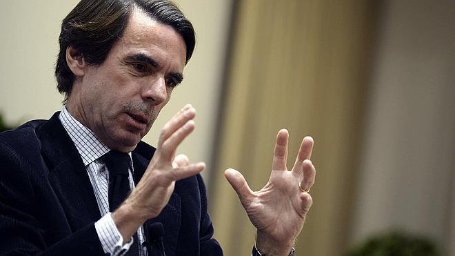 Aznar insta a Rajoy a eliminar la «efervescencia separatista»