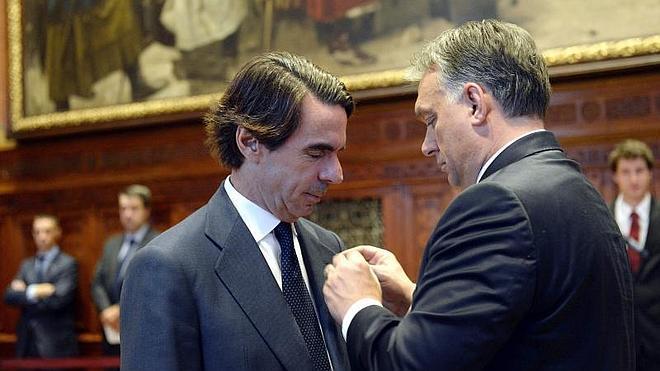 """Aznar pide no dar pábulo al """"órdago"""" catalán y defender la nación española"""