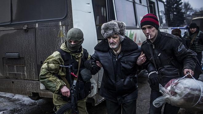 Al menos cuatro muertos al impactar un proyectil en un hospital en Donetsk