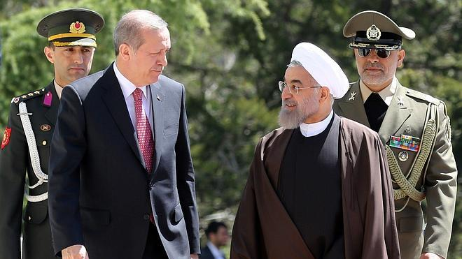 Irán y Turquía suavizan sus roces e impulsan los lazos económicos