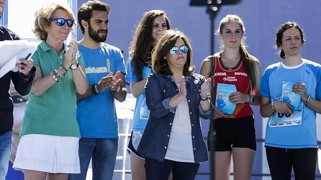 Santamaría y Pons se calzan las zapatillas en apoyo a Aguirre
