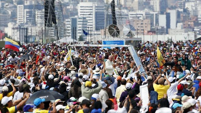 El Papa alerta en Quito contra los «sectarismos» y pide «diálogo»
