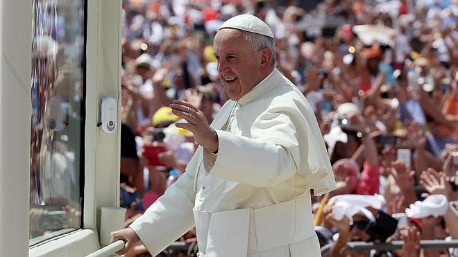 Una multitud avala en Ecuador la defensa papal de la justicia social
