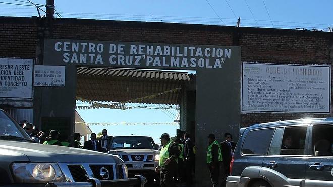 Francisco visita la cárcel más peligrosa de Bolivia antes de partir a Paraguay