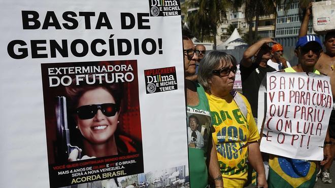 Protestas callejeras en todo Brasil exigen la dimisión de Rousseff