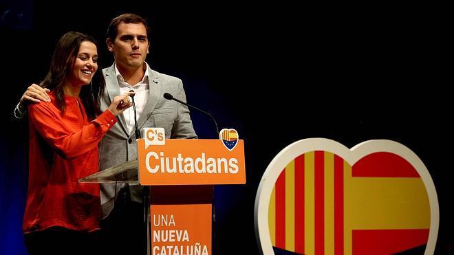 Rivera llama a los votantes de Suárez, González y Aznar para recuperar el rumbo