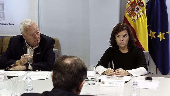 Exteriores busca a cinco españoles cuyas familias no saben si están en París
