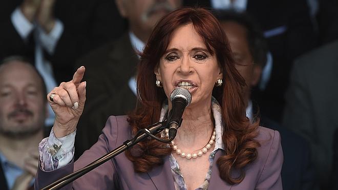 Kirchner declina asistir a la jura de Macri como presidente argentino