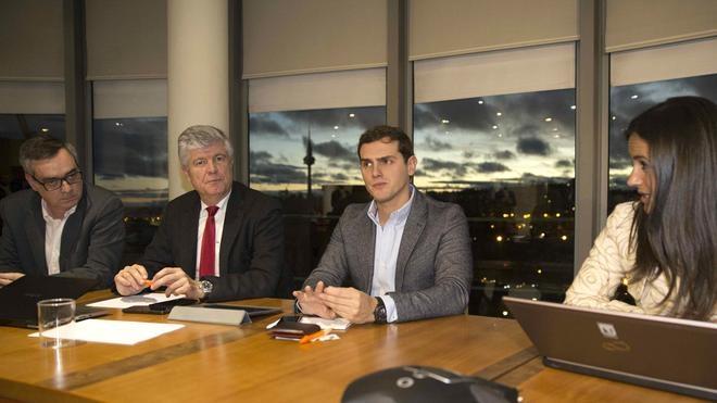 Rivera: «No querer a Rajoy no basta para gobernar. Hay que tener un proyecto»