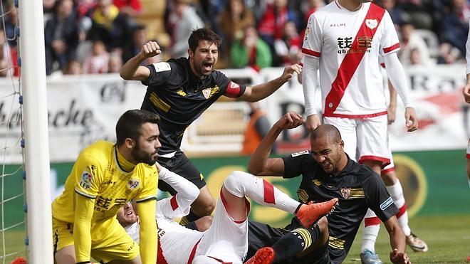 La valentía del Rayo frena al Sevilla