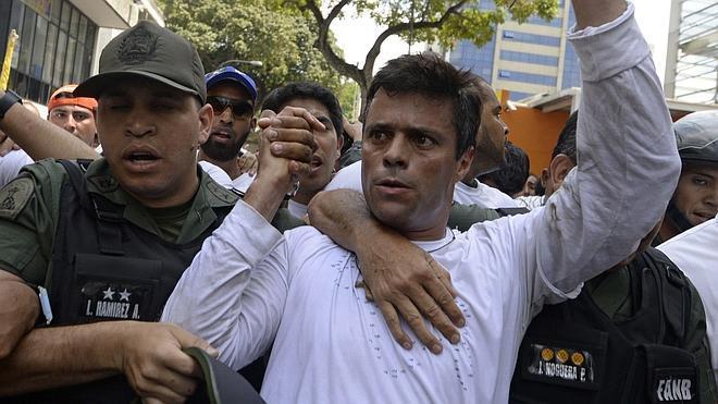 «¡Ni un centímetro para la desesperanza, Venezuela!»