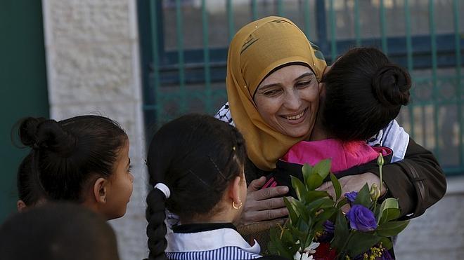 Una palestina, premio a la mejor profesora del mundo