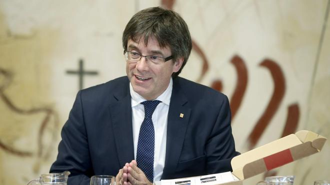 Puigdemont cree que es «cínico» que Rajoy le extienda ahora la mano