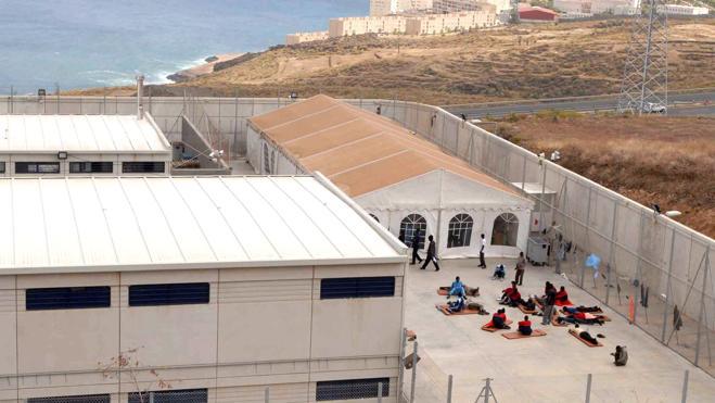 Casi 10.600 extranjeros fueron expulsados de España en 2015