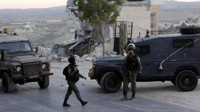 Un palestino muerto tras intentar apuñalar a soldados israelíes en un control de Cisjordania