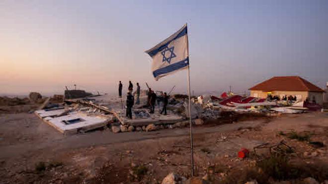 Cuatro palestinos detenidos por asistir a una fiesta judía en un asentamiento israelí