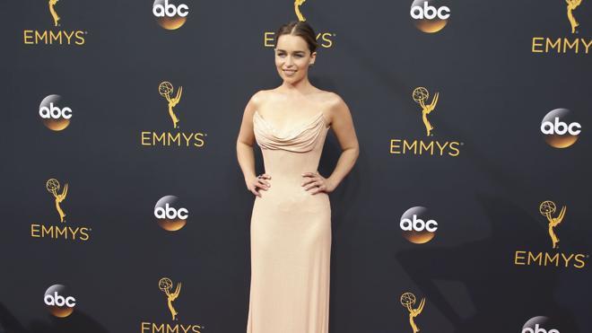 Emilia Clarke se une al filme de 'La guerra de las galaxias' sobre Han Solo