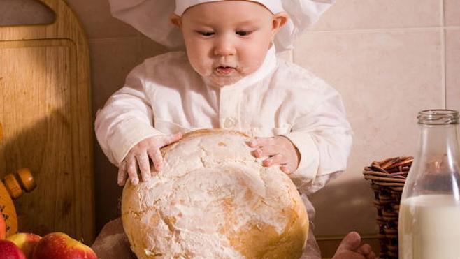 Receta fácil para hacer pan con los niños