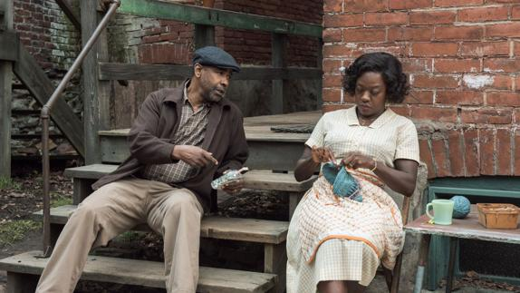 Denzel Washington y Viola Davis en 'Fences'./