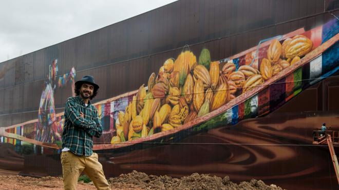Un artista brasileño pinta el grafiti más grande del mundo