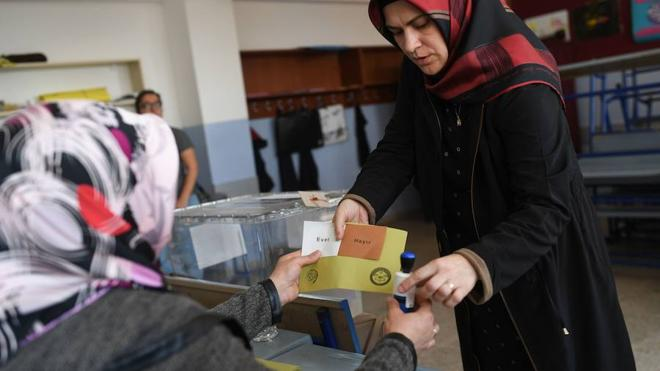 Una observadora cifra en hasta 2,5 millones los votos «manipulados» del referéndum turco