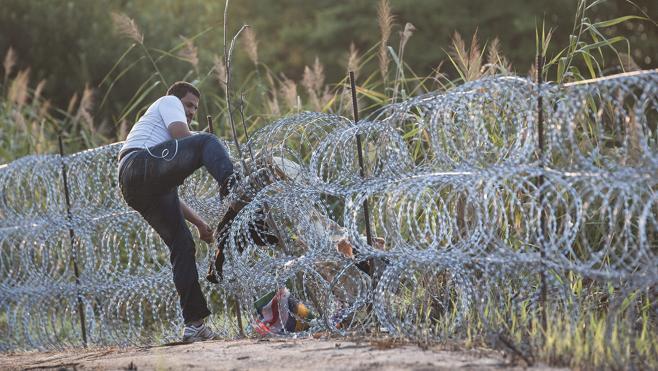 Orban anuncia la terminación de la segunda valla en la frontera húngara con Serbia