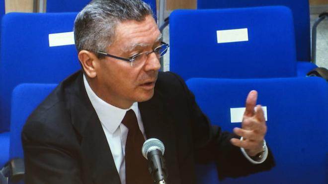 La juez archiva una denuncia a Ruiz Gallardón por los sobrecostes de la M-30