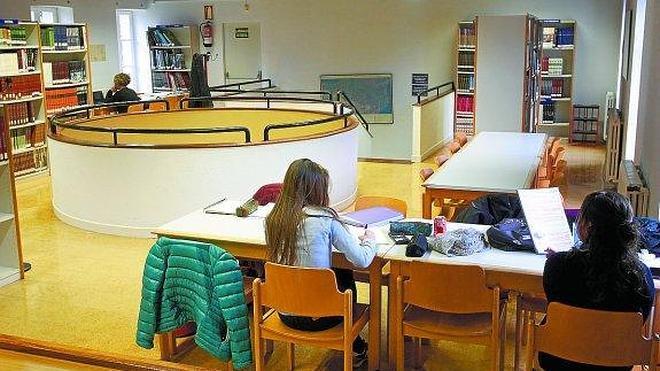 La Biblioteca pone un espacio en la casa consistorial para liberar libros