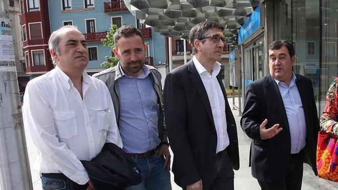"""Patxi López defiende el voto """"de progreso"""" del PSE frente a Bildu y el PNV"""