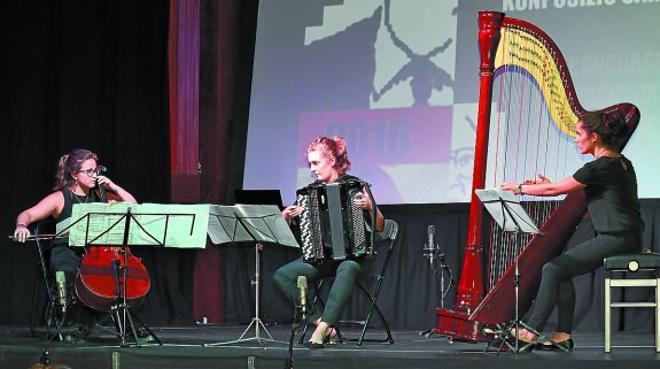 La griega Sofía Avramidou gana el certamen internacional de acordeón