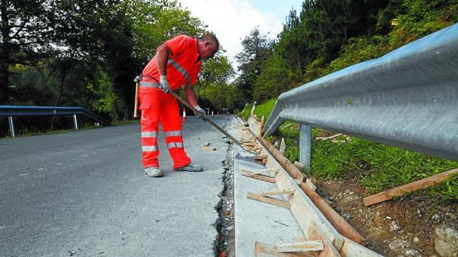 La Diputación aprueba convenios para la realización de obras en varias carreteras