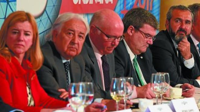 Gobierno Vasco y diputaciones afloran sus discrepancias por el alcance de la reforma fiscal