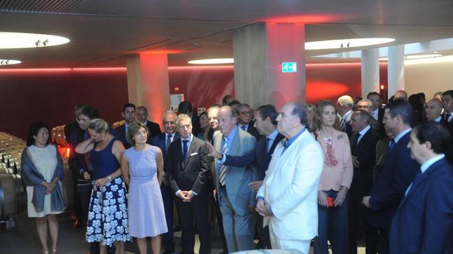 Vega Sicilia inaugura una bodega en Álava en la que ha invertido 22 millones de euros